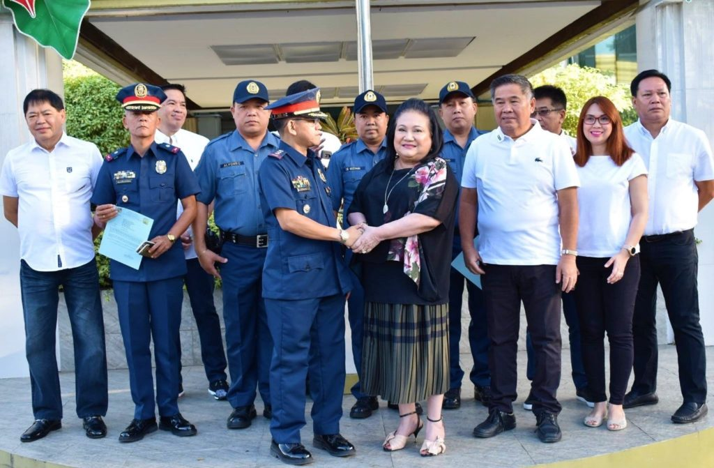 Mayor commends Las Pinas PNP